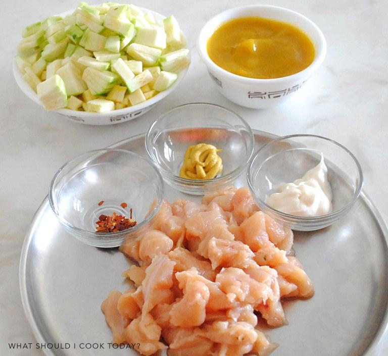 ingredients _ chicken and zuchini