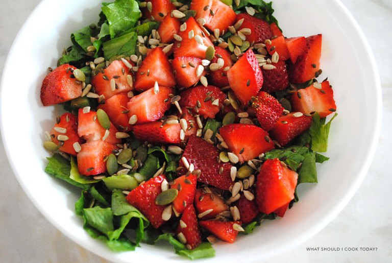 straeberry romain salad 2